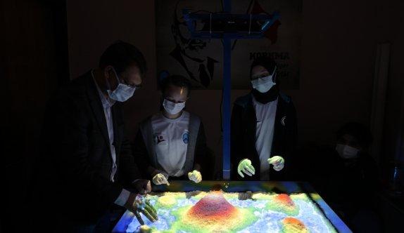 Selimiye İmam Hatip Ortaokulunda 4006 TÜBİTAK Bilim Fuarı açıldı