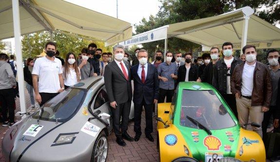 TOGG Üst Yöneticisi Gürcan Karakaş, BUÜ'nün akademik yılı açılış töreninde konuştu: