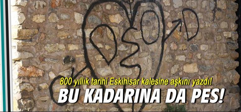 800 yıllık tarihi Eskihisar kalesine aşkını yazdı!