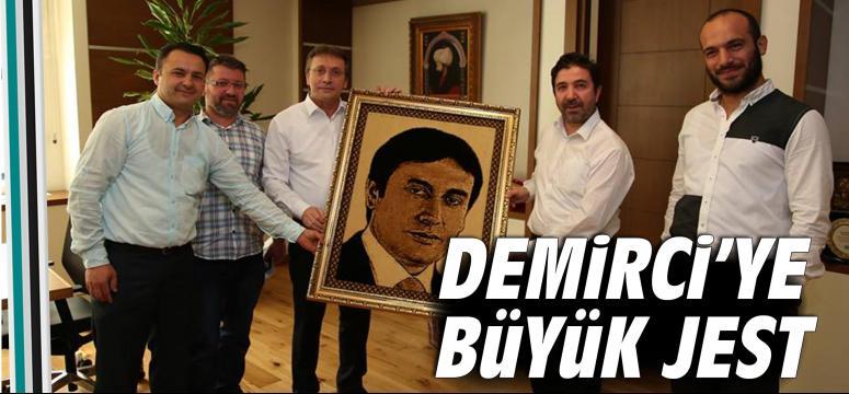 Şevki Demirci'ye büyük jest