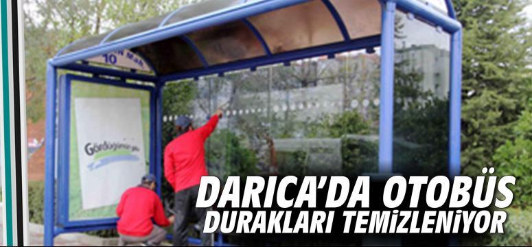 Darıca'da otobüs durakları temizleniyor