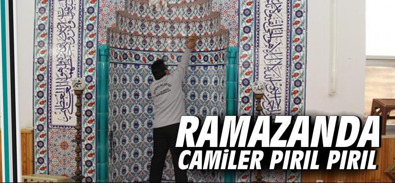 Ramazanda Camiler Pırıl Pırıl