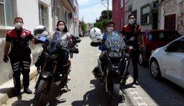 Balıkesir'de ikiz kardeşlere polislerden doğum günü sürprizi