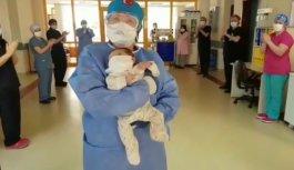 Bursa'da Kovid-19'u yenen 1,5 aylık bebek taburcu edildi
