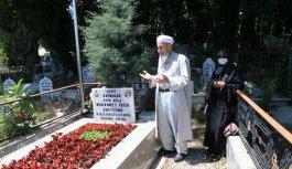 Şehit kaymakam Muhammed Fatih Safitürk'ün ailesi kabir ziyareti yaptı