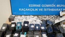 Avrupa'ya açılan sınır kapılarında 157 kilogram uyuşturucu ve kaçak eşyalar ele geçirildi