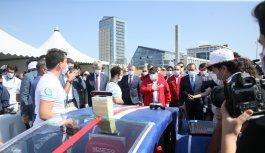 Bakan Varank, Robotaksi Binek Otonom Araç Yarışması'nı izledi: