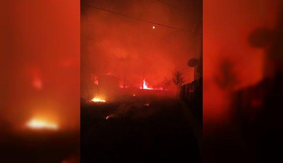 Çanakkale'de ormana sıçrayan yangın kontrol altına alındı