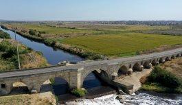 Dünyanın en uzun taş köprüsü olarak bilinen Uzunköprü için restorasyon çağrısı