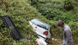GÜNCELLEME - Kocaeli'de dere yatağına devrilen otomobildeki 1 kişi öldü, 2 kişi yaralandı