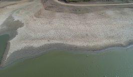 Tekirdağ'da su seviyesi azalan Bıyıkali Göleti'nden sulama durduruldu