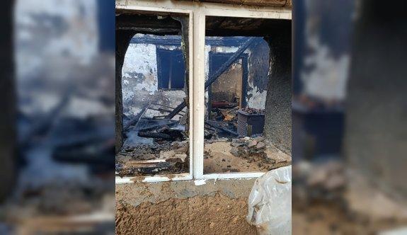 Bursa'da yangın çıkan evde mahsur kalan kadın yaşamını yitirdi