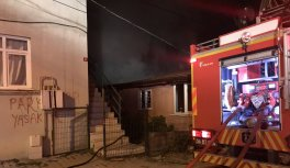 Sakarya'da çıkan yangında tek katlı ev kullanılamaz hale geldi