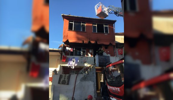 Kocaeli'de evde çıkan yangında 2 çocuk yaralandı