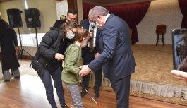 TBMM Başkanı Şentop görme engelli Busem Belinay'la bir araya geldi