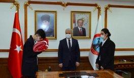 18 Mart'ta Çanakkale'de göndere çekilecek ay yıldızlı bayrak Kırşehir'e ulaştı