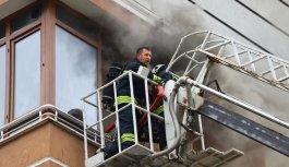 Edirne'de evde çıkan yangında dumandan etkilenen yaşlı kadın hastaneye kaldırıldı