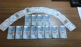 Kocaeli'de kumar oynayan ve Kovid-19 tedbirlerini ihlal eden 5 kişiye para cezası