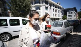 Balıkesir'de belediye ekipleri şehit ailesini özel izinle oğullarının mezarına götürdü