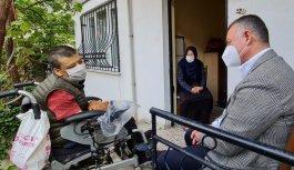 Kocaeli Büyükşehir Belediye Başkanı Büyükakın'dan serebral palsi hastası engelliye sürpriz ziyaret