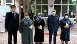 Kırklareli'nde KKKA hastalığına karşı hayvan besicilerine ilaç dağıtıldı