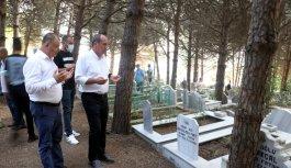 Memleket Partisi Genel Başkanı İnce, bayram namazını Elmalık köyünde kıldı: