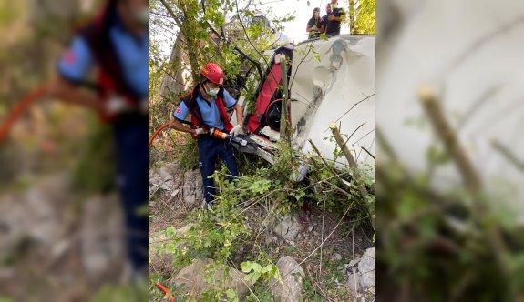 Balıkesir'de otomobilin şarampole devrilmesi sonucu bir kişi hayatını kaybetti