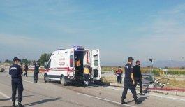 Bursa'da hafif ticari araçla çarpışan otomobilin sürücüsü öldü