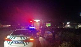 Anadolu Otoyolu'nda hafif ticari aracın devrilmesi sonucu 2 kişi yaralandı