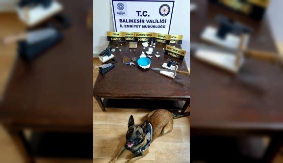 Balıkesir'de uyuşturucu operasyonunda yakalanan 4 şüpheli tutuklandı