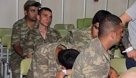 Manisa'da 6 rütbeli askere gözaltı