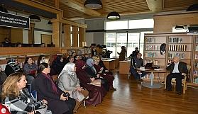 Halk Kütüphanesinde Ebru söyleşisi