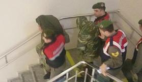 Yunan askerlerin tutukluluğuna itiraz edildi